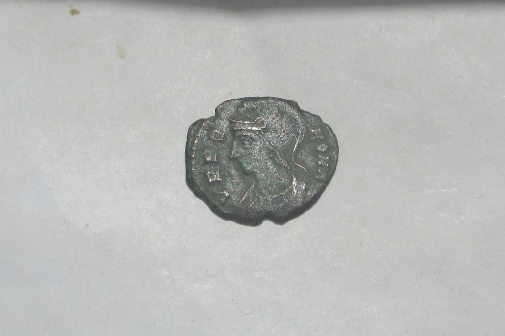 AE3/4 Conmemorativo de la ciudad de Roma. Roma  Img_2225