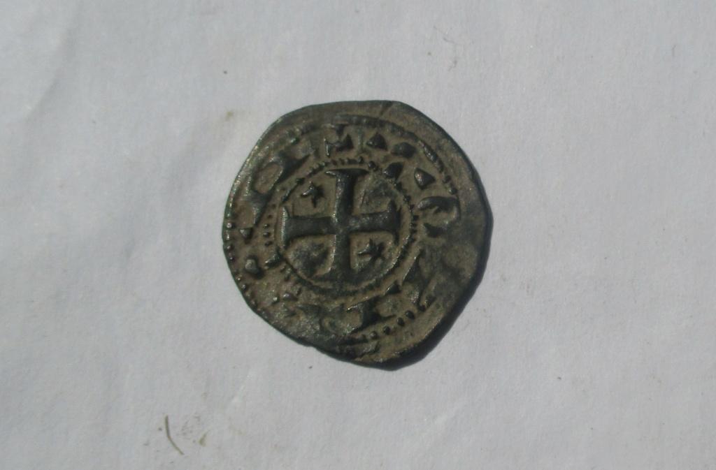 Dinero pepión de Alfonso VIII. ¿Repintado? Img_2718