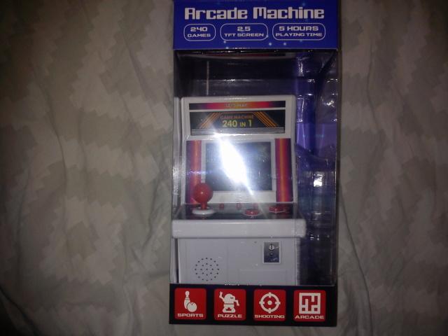 [estimations ] jeux , consoles de poche , manettes , accessoires , livres , goodies ,poste hi-fi etc Micro_10