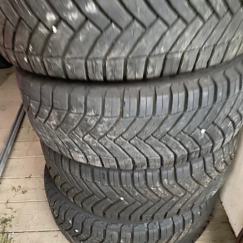 Jantes vw 16 + pneus Michelin cross climate  Edb98110