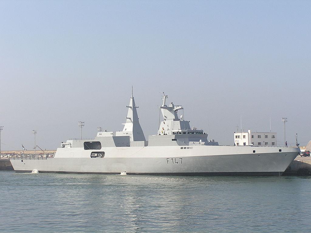 الفرقاطة MEKO-A200 الى مصر  Valour10