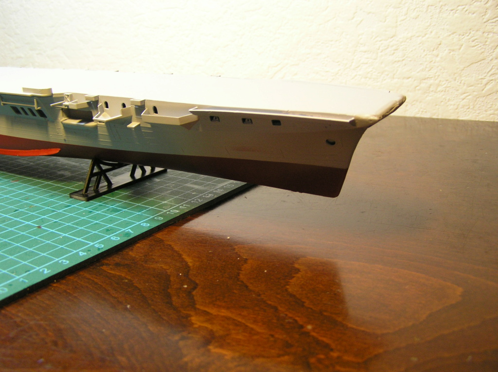 Porte-avions ARROMANCHES Réf 81090 Coque_10