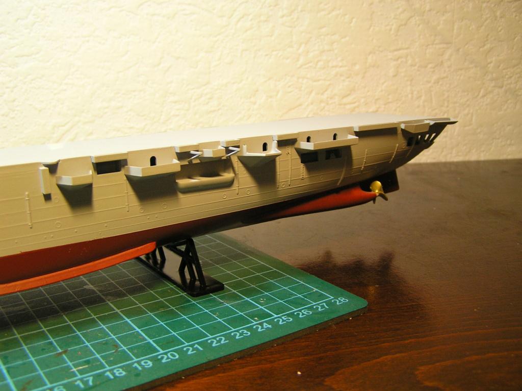Porte-avions ARROMANCHES Réf 81090 Coque_11