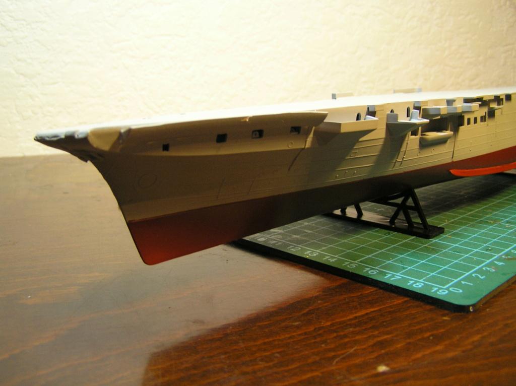 Porte-avions ARROMANCHES Réf 81090 Coque_12