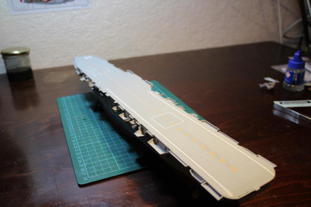 Porte-avions ARROMANCHES Réf 81090 Img_7731