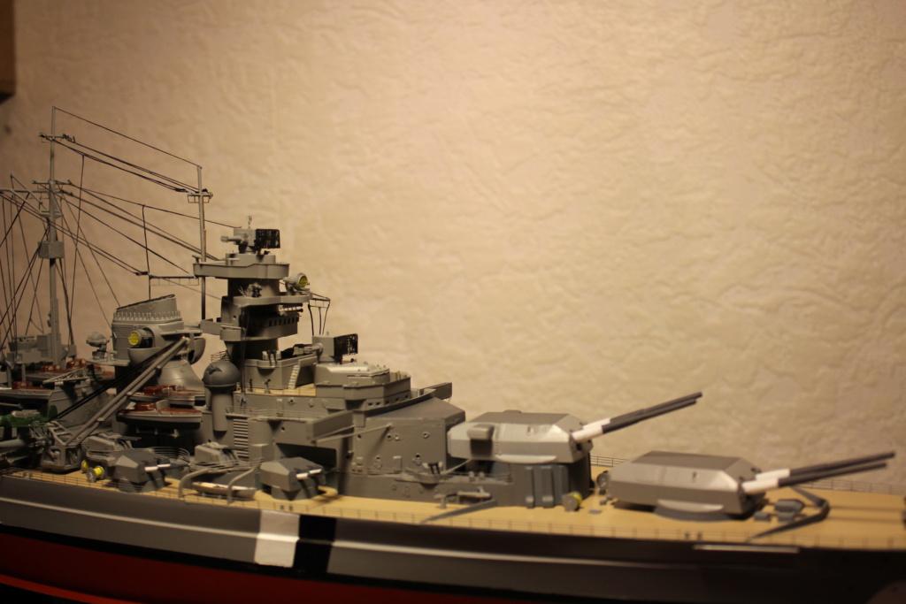 Le Bismarck (Tamiya) 1/350 Img_8024