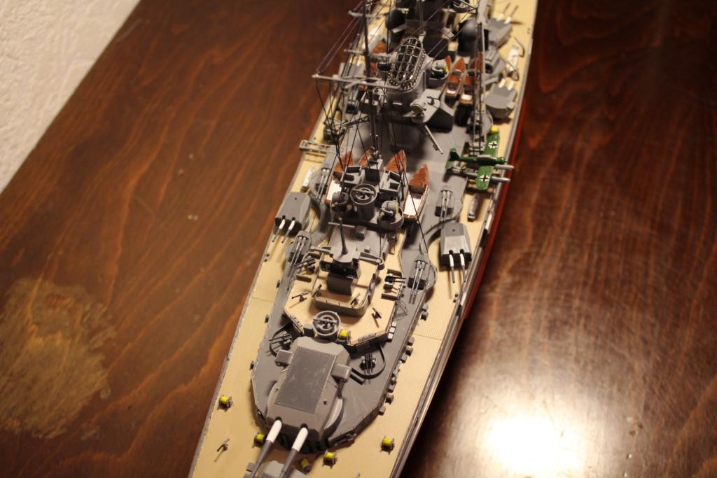 Le Bismarck (Tamiya) 1/350 Img_8029