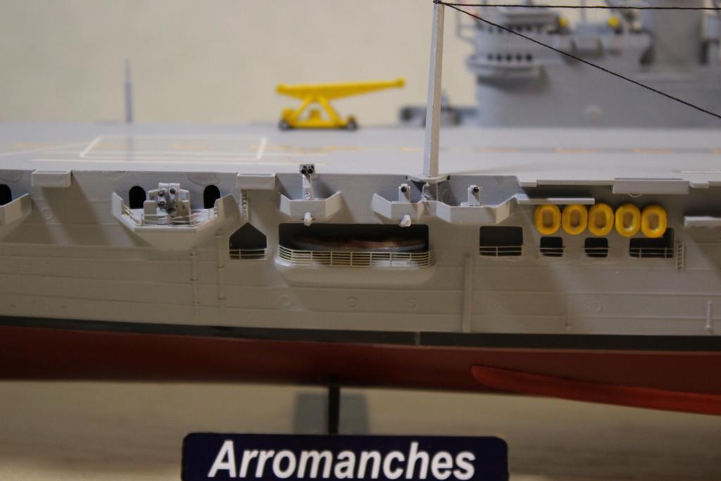 Porte-avions ARROMANCHES Réf 81090 - Page 2 Pont_110