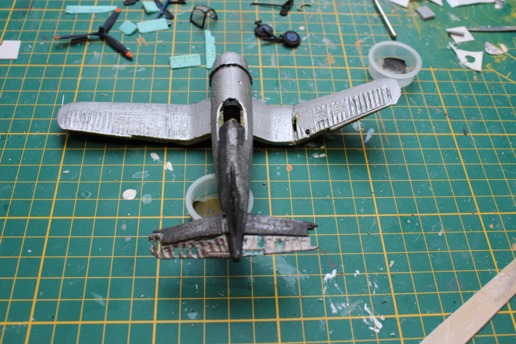 [ Revell ] Corsair essais de rénovation , transformation. FINI Img_8310