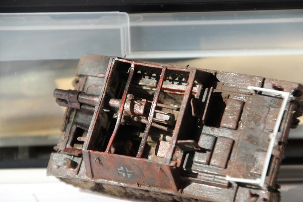 [Armourfast] Stug 33B pour tenir compagnie à PZMR + un peu de scratch. ( FINI) - Page 2 Img_8628