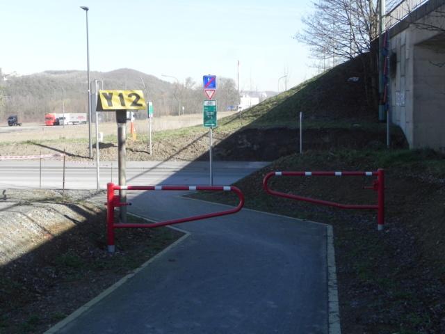RAVeL 1 Est (Part 5) Ombret - Ivoz-Ramet (Par la route) - Eurovelo 3 - Itinéraire n°6 - La Meuse à vélo Dscn0037