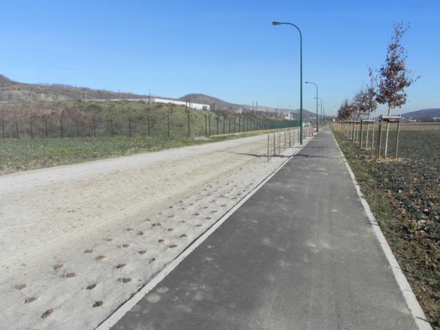 RAVeL 1 Est (Part 5) Ombret - Ivoz-Ramet (Par la route) - Eurovelo 3 - Itinéraire n°6 - La Meuse à vélo Dscn0038