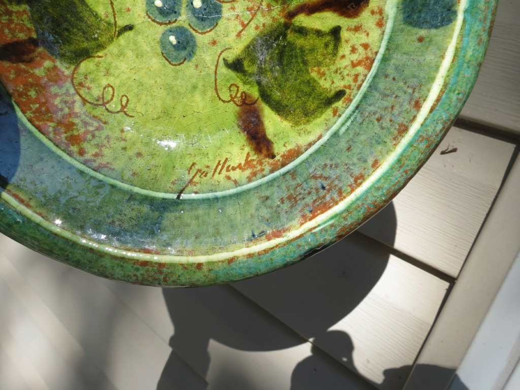 USA dish: Help with the name of artist?  Img_1113