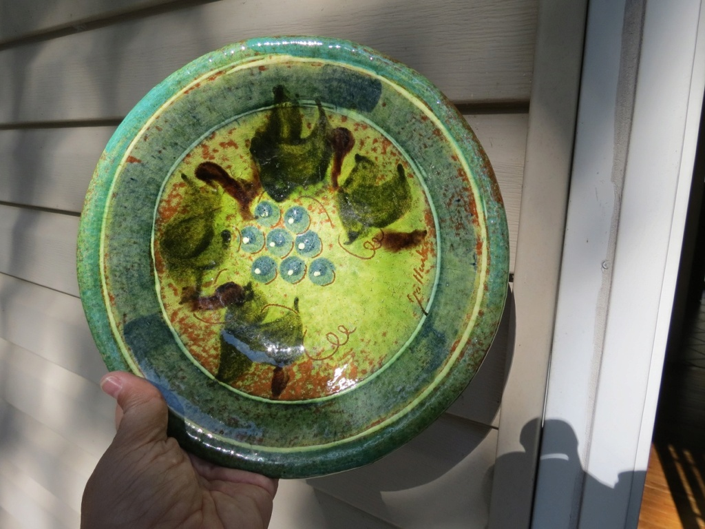 USA dish: Help with the name of artist?  Img_1116