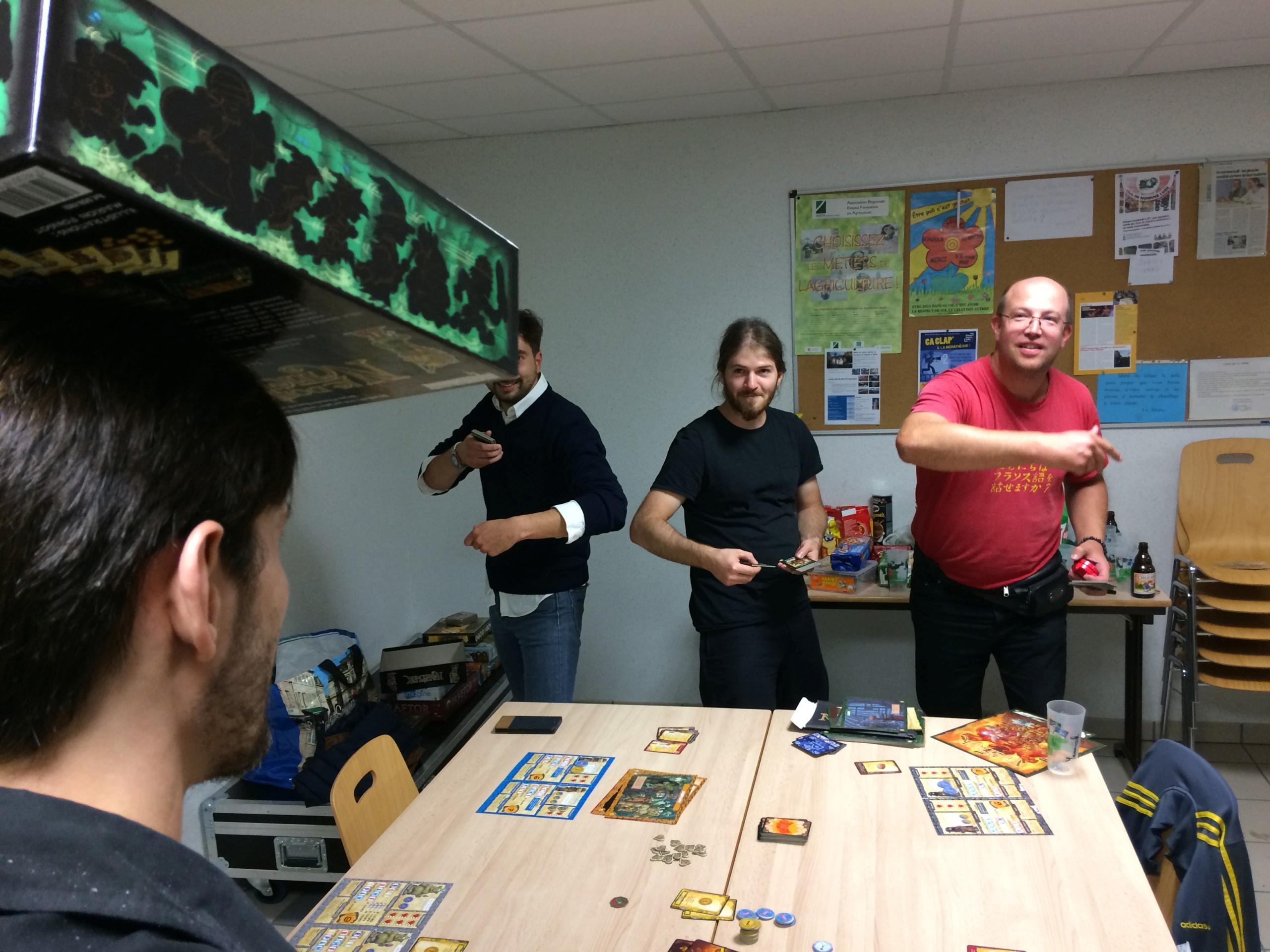 [2018] Vendredi 31 août : soirée jeux du mois - 18/19j Img_0912
