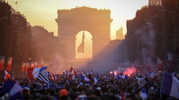 Histoire des Champs Elysées Xvm36b10