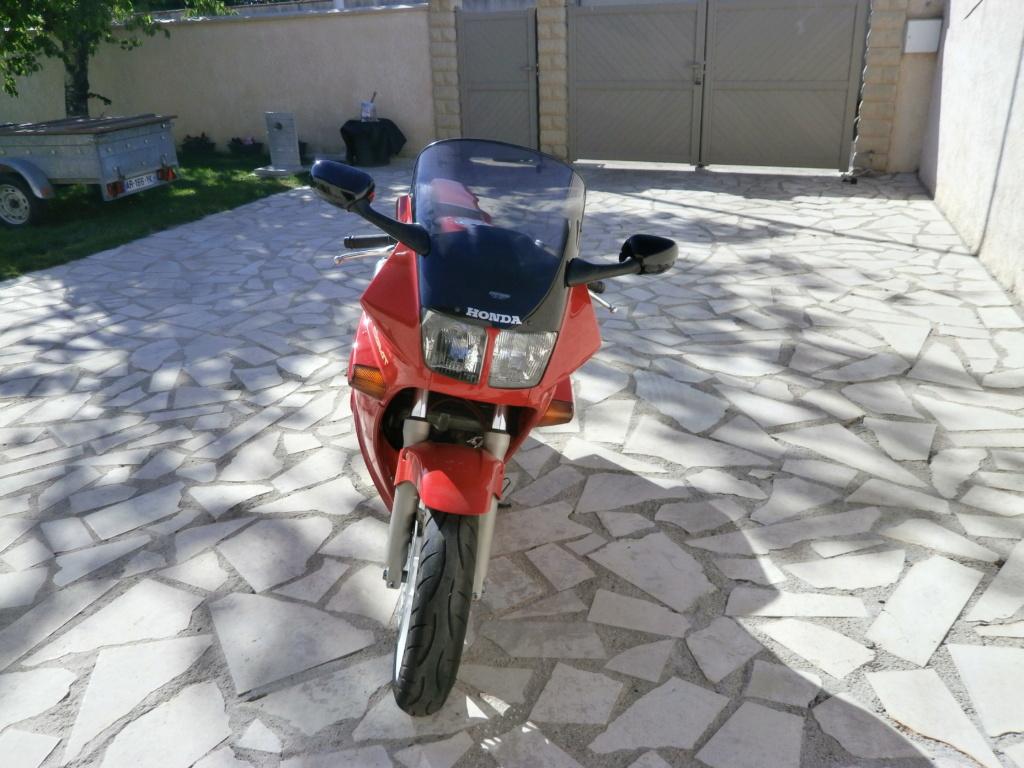 bonjour presentation d un jeune motard de 59 ans  - Page 2 P5110016