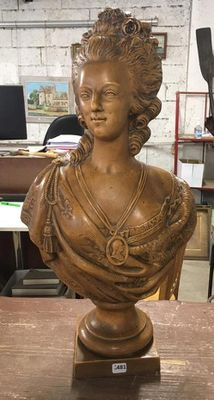 A vendre: bustes Marie Antoinette - Page 8 21274810