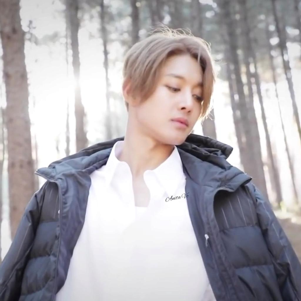 (Kim Hyun Joong) diz ter medo de insetos Inshot10