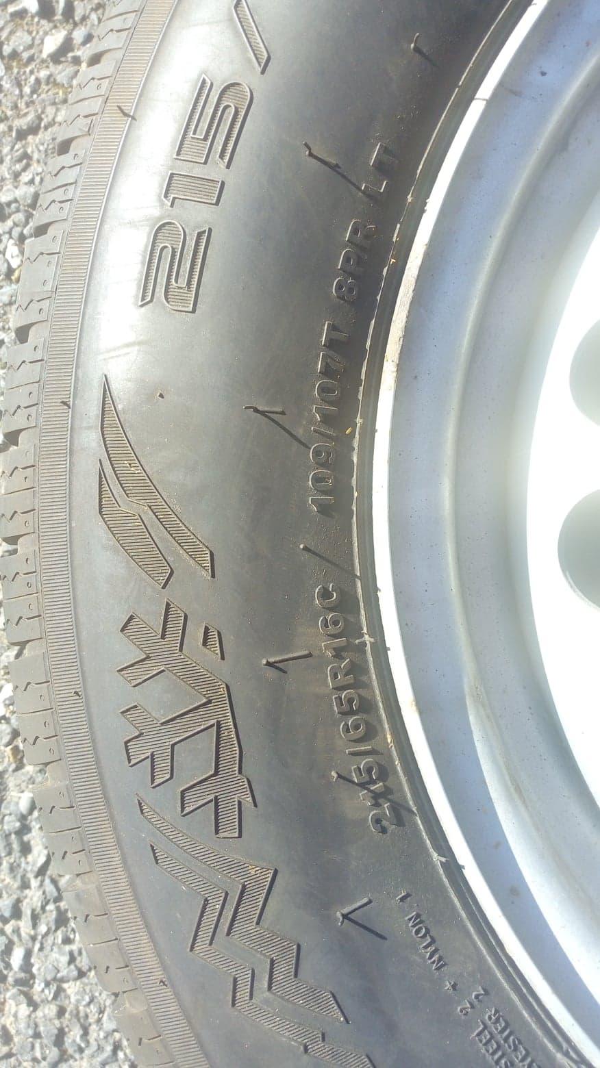 jantes acier 16 pouces equipées pneus hiver 215/65R16C 109T pour T5 174cv 4motion 44432411