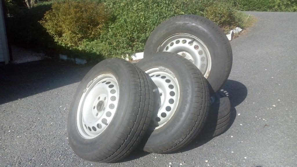 jantes acier 16 pouces equipées pneus hiver 215/65R16C 109T pour T5 174cv 4motion 44563112