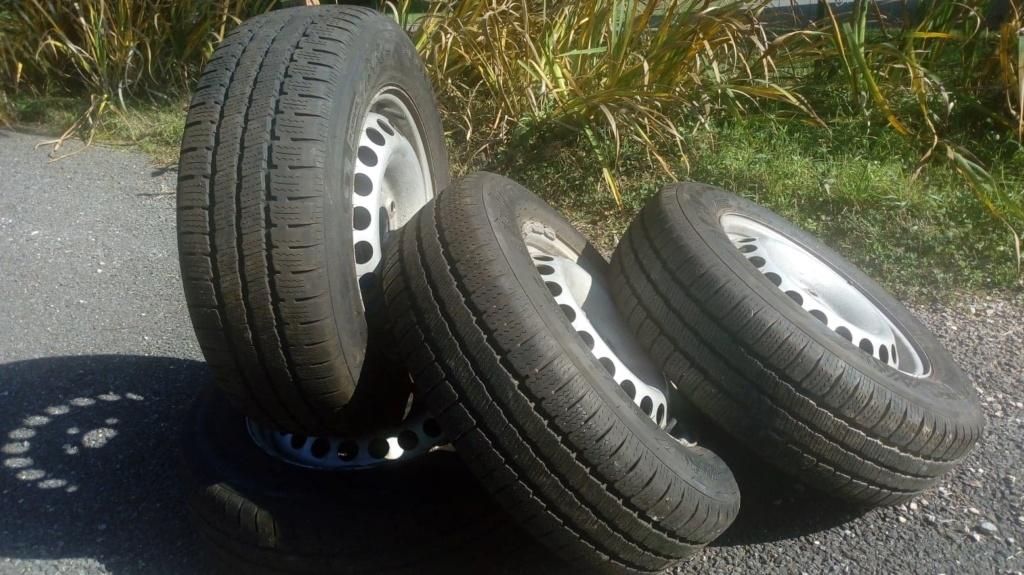 jantes acier 16 pouces equipées pneus hiver 215/65R16C 109T pour T5 174cv 4motion 44602210