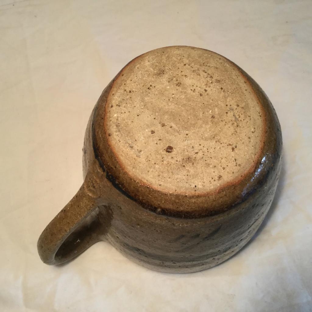 Studio Mug, 2 Seal Marks Img_3710
