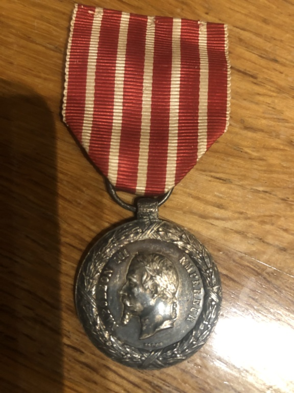 Identifications de médailles et objets 18 eme Bd227e10