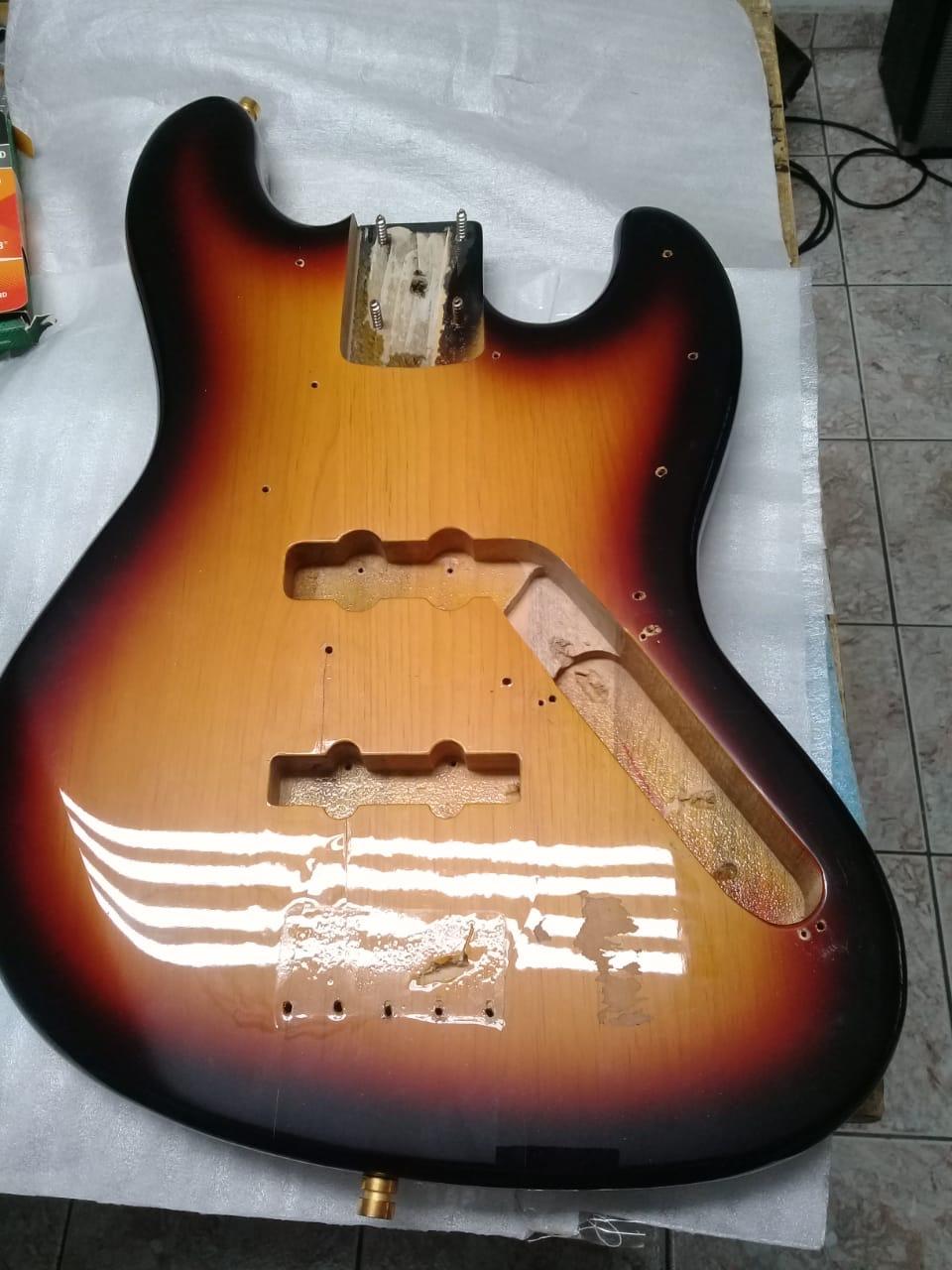 Jazz Bass Clube. - Página 14 Db953811