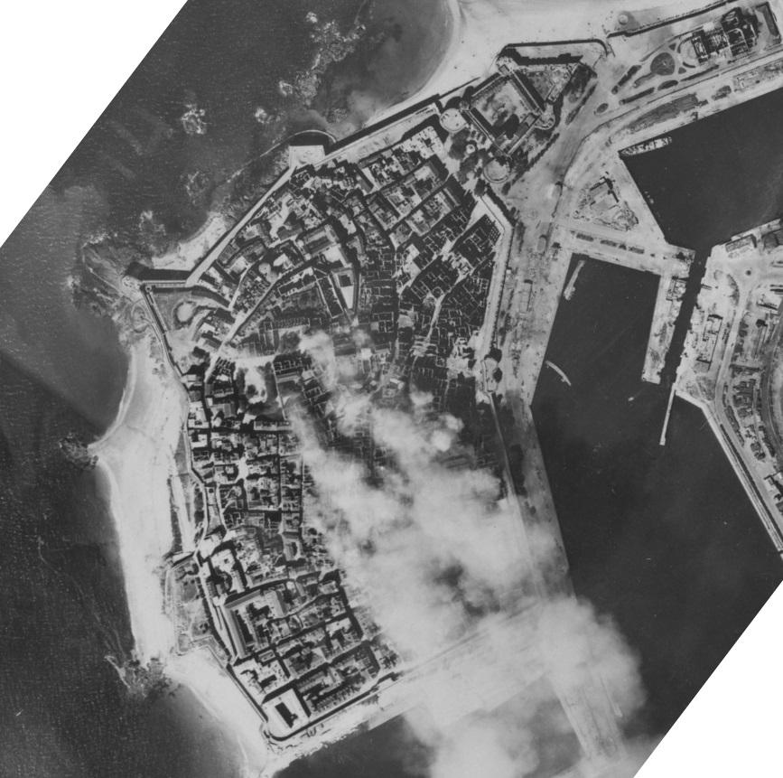 Saint-Malo juillet/Août 1944 - 2020  / Photogrammétrie-Satellite 313-0811
