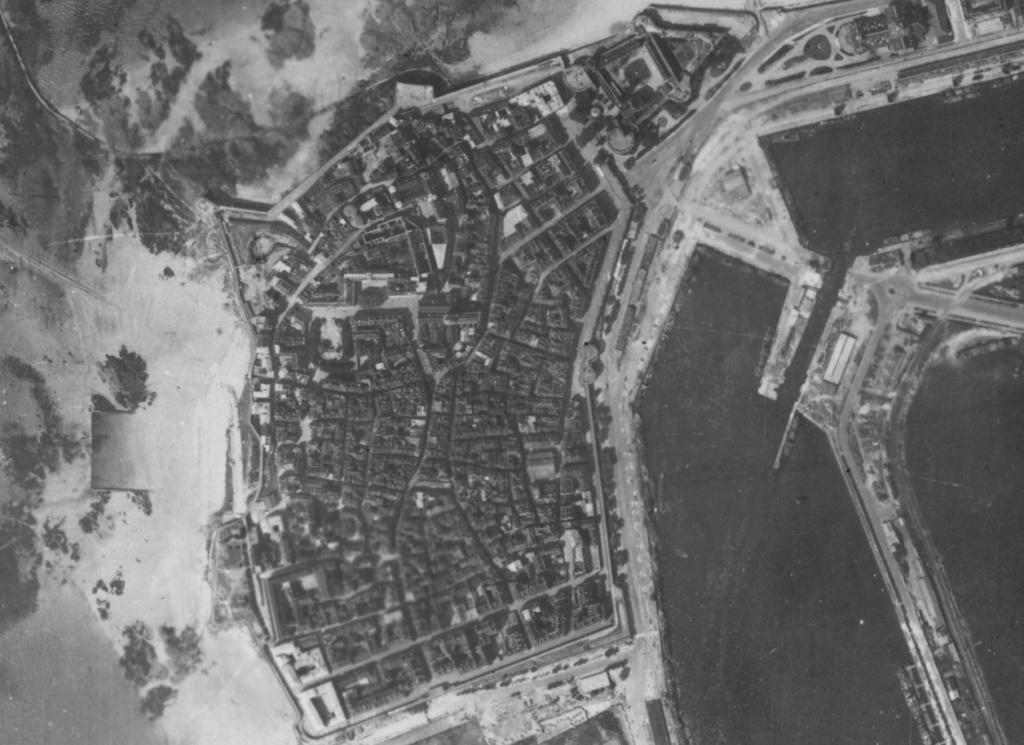 Saint-Malo juillet/Août 1944 - 2020  / Photogrammétrie-Satellite 324-711