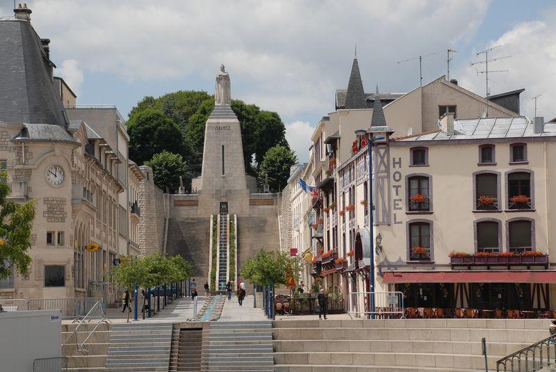 Cartes postales les monuments du souvenir 14-18 Victoi10