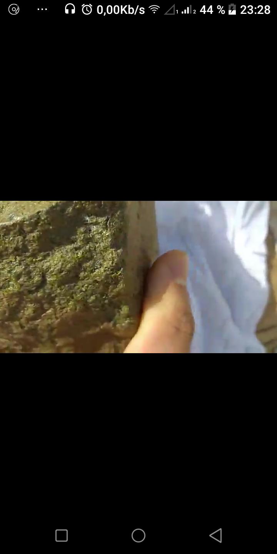 Identifcation d'une pierre etrange Screen11
