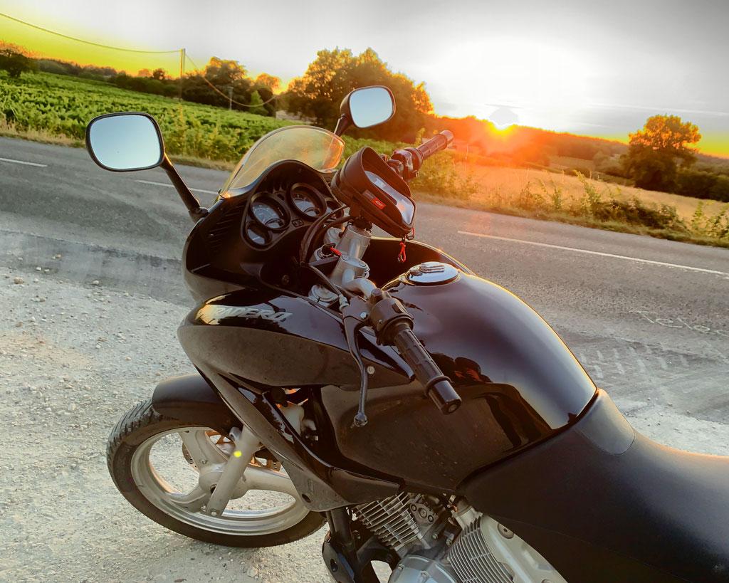 [ Luckyknee ] Nouveau motard et Varaderiste 1024-i10