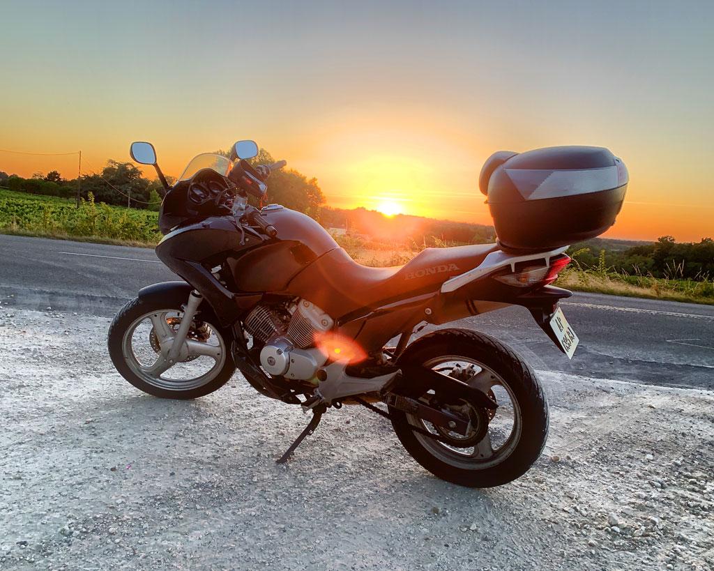 [ Luckyknee ] Nouveau motard et Varaderiste 1024-i11
