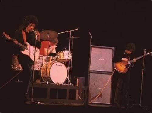 Londres (Saville Theatre) : 29 janvier 1967 14373810