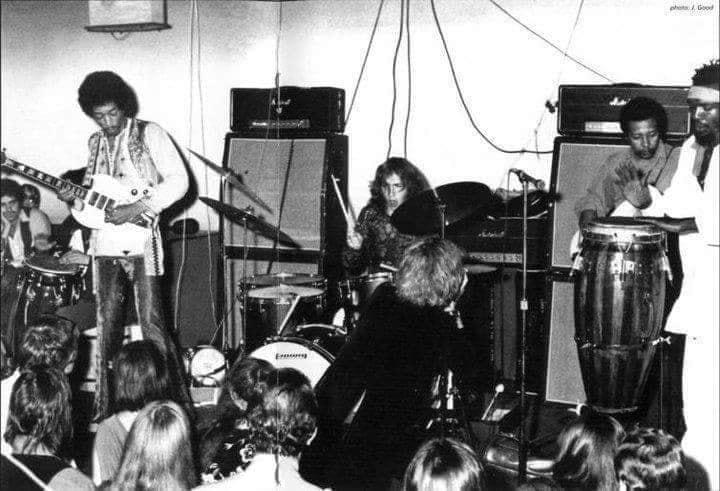 New York (Salvation) : 10 septembre 1969 Jimi_s12