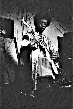 New York (Salvation) : 10 septembre 1969 Jimi_s15