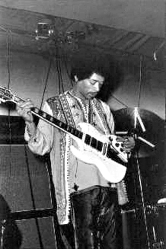 New York (Salvation) : 10 septembre 1969 Jimi_s17