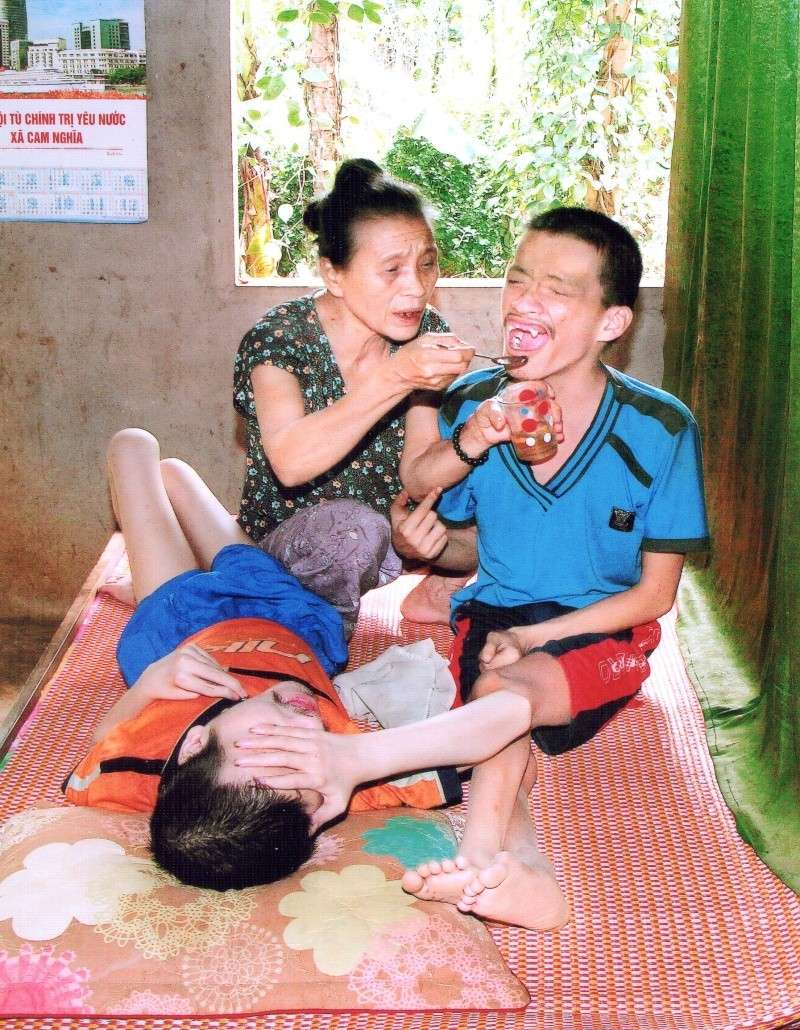 """Association """"Les Amis de Xuan Minh"""" - Page 2 Le_thi10"""