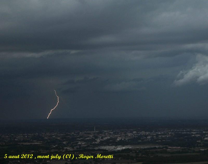 violent orage sur la bresse , 5 aout 2012 Nik_7410