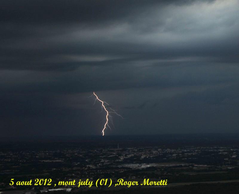 violent orage sur la bresse , 5 aout 2012 Nik_7411