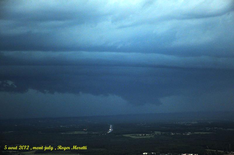 violent orage sur la bresse , 5 aout 2012 Nik_7511