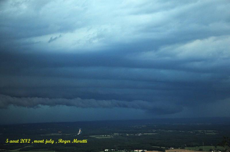 violent orage sur la bresse , 5 aout 2012 Nik_7513