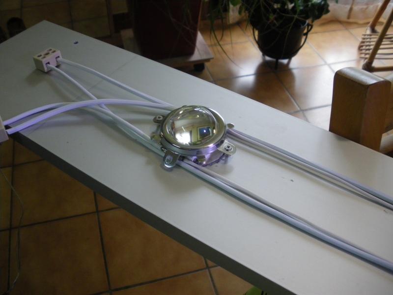 philo LED ça va éclairer les voisins 210