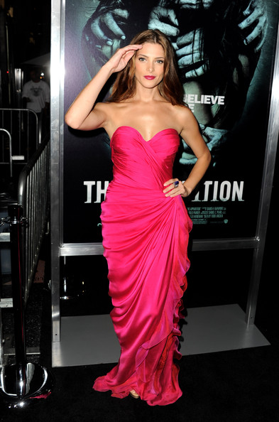 "[23-08-12] Premiere Of Warner Bros. Pictures ""The Apparition"" Ashley45"