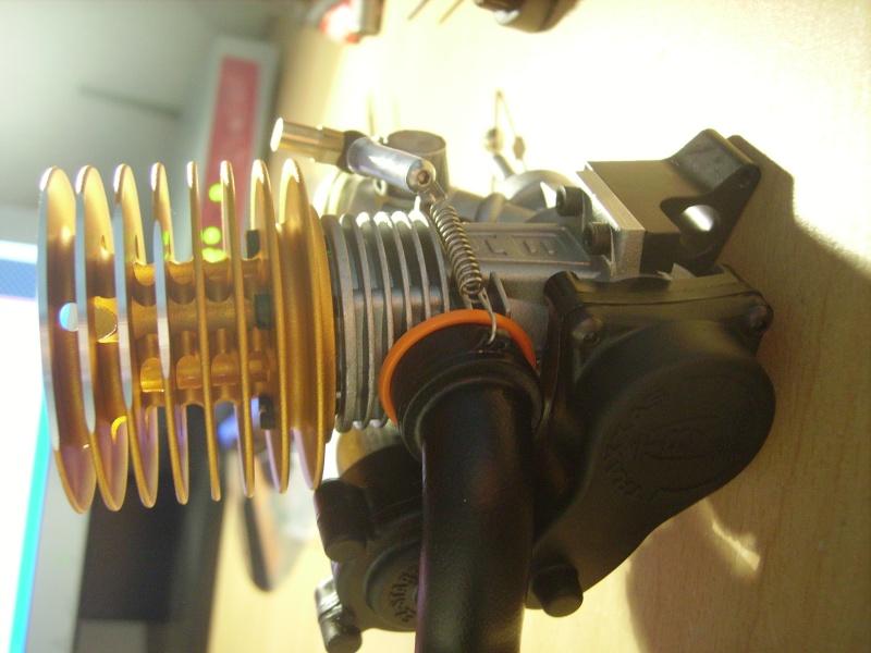 mon revo + moteur d'homme :D Imgp7611
