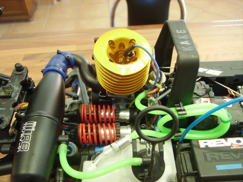 mon revo + moteur d'homme :D Imgp7616