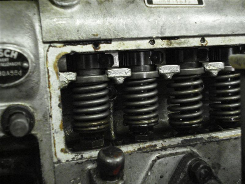 Position des cames de reglage injecteur pompe a injection om 636 Dsc04711