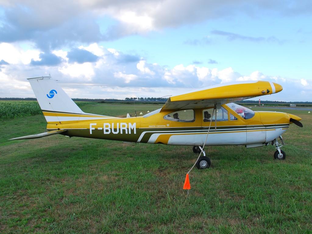 Aérodrome de Mimizan Fburm10